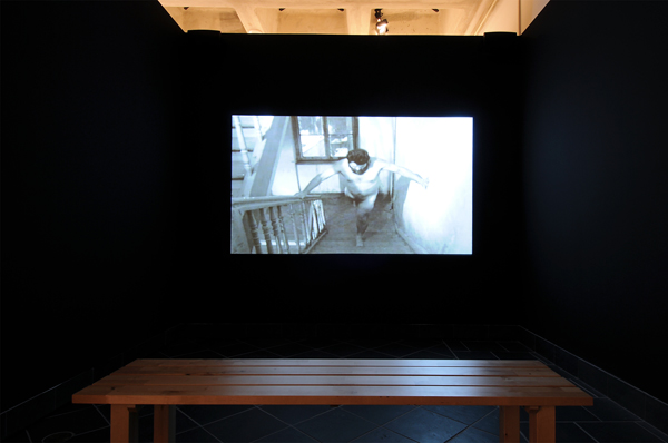 Artur Zmijewski, An Eye for An Eye, 1998, Digital video, 11:28, Courtesy of Foksal Gallery Foundation, Warsaw